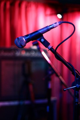Microphone (Credit: deneyterrio/Flickr)
